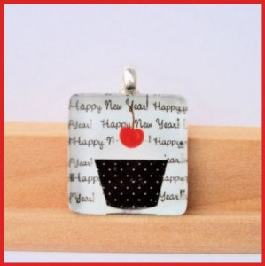 happy-new-year-glass-tile-pendant-boutique-custom-jewelry