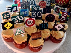 30th-cupcakes