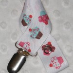 cupcake-cutie-soother-pacifier-clip