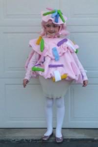 madison_cupcake_costume2