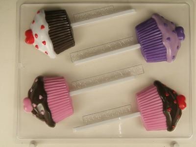 cupcake-with-hearts-v2241