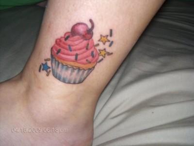 janelle-cupcake-tattoo1