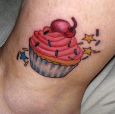 janelle-cupcake-tattoo2