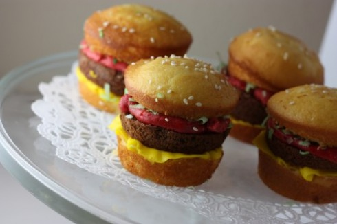 burger_cupcakes1