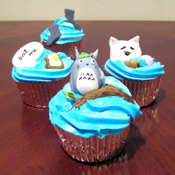 ninja-vs-penguin_cupcakes