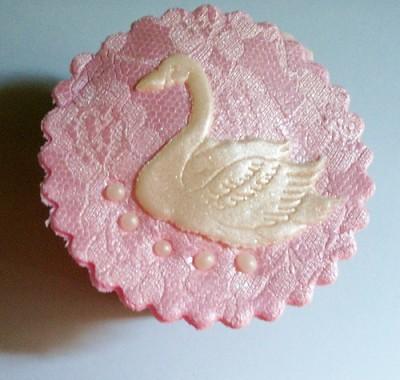 swan cupcakes 2