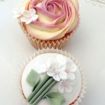 Icing Bliss - Garden Party Cupcakes - Flower cupcakes decorated with buttercream and sugarpaste flowers   -  http://www.icingbliss.blogspot.com/