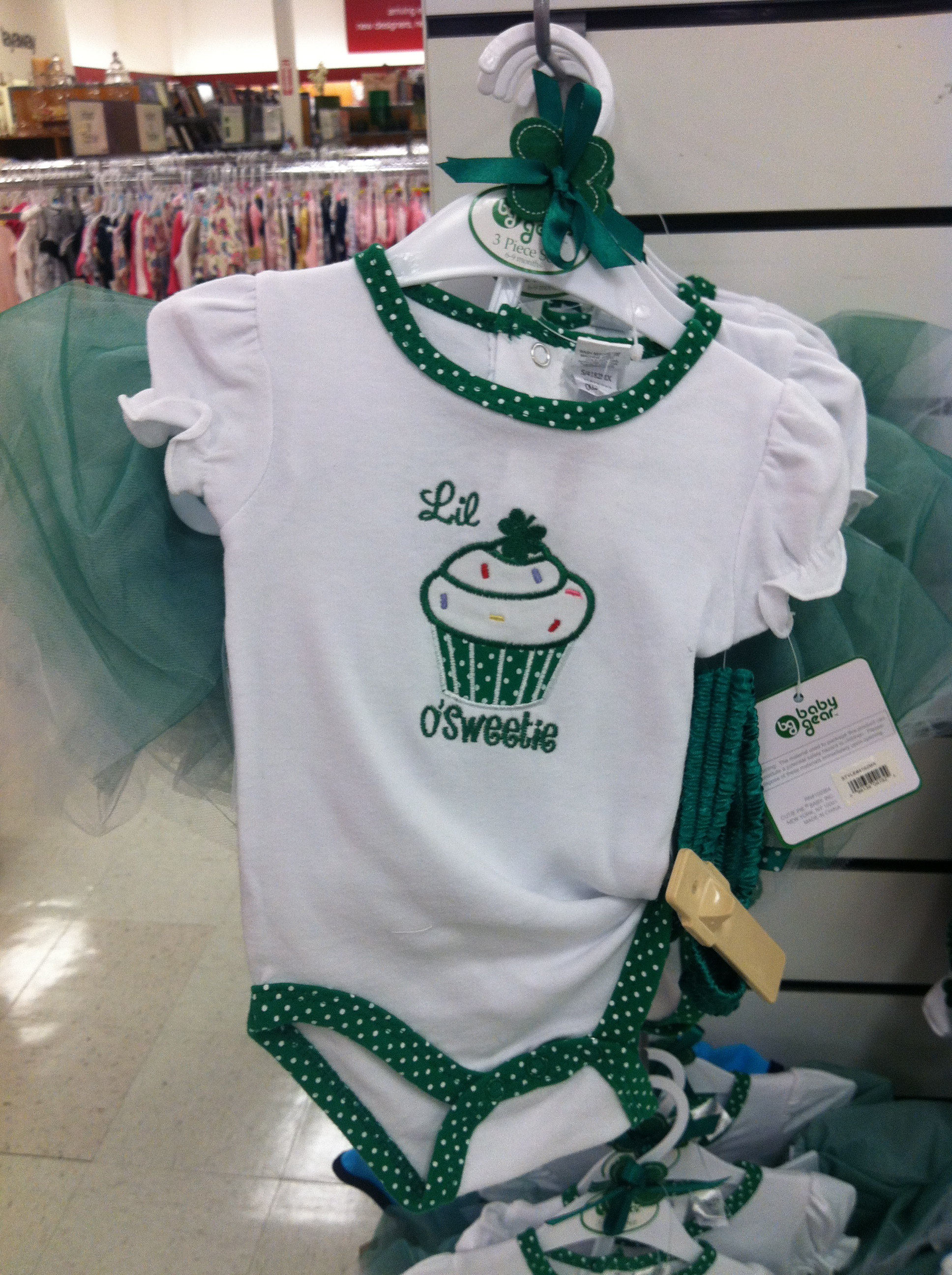St Patrick s Day esie All Things Cupcake